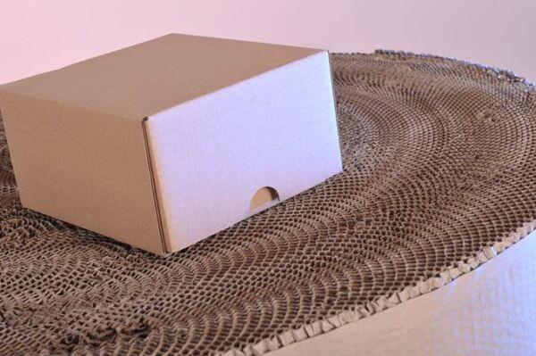 Papír, hullámkarton doboz